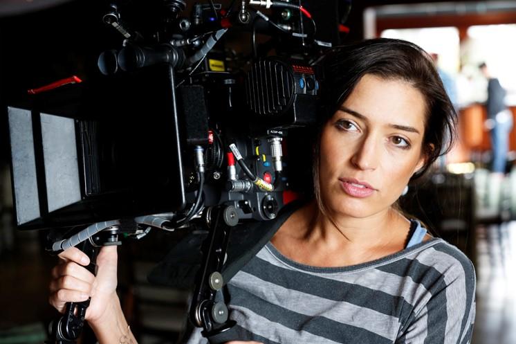 Ska man göra film direkt eller gå en lång filmutbildning?