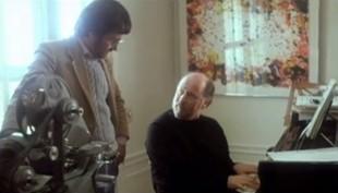 Se Steven Spielberg och John Williams komponera musiken till E.T.